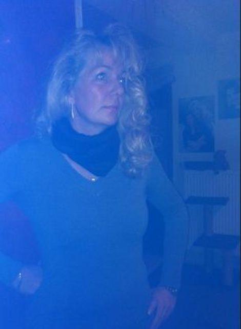 Rimini - Reife Blonde sucht Mann für schöne Abende!
