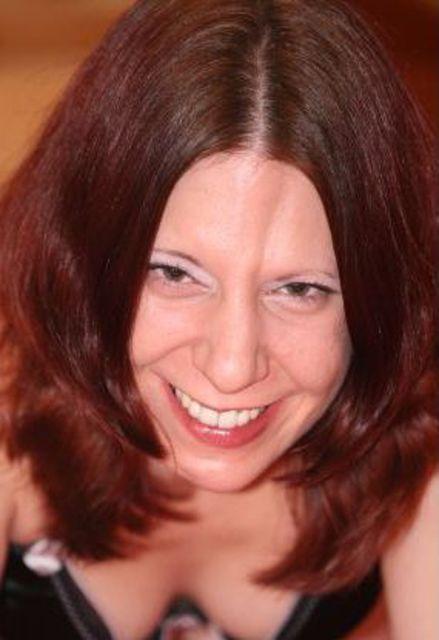 Natascha33 - Junge dominante Frau, auch Mutter, sucht Gegenstück!