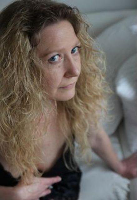 Roswitha47 - Reife Frau, 47, sucht jüngeren Mann!